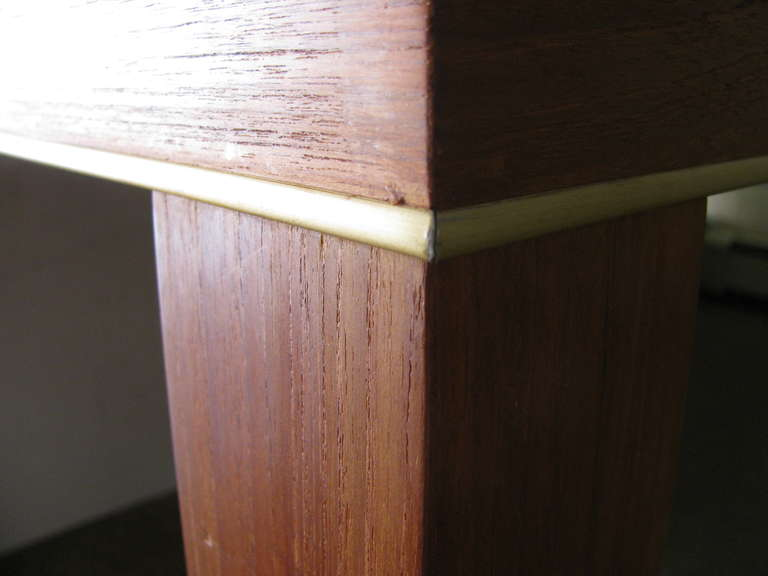 Mid Century Modern Teak Parsons Style Dining Room or Conference Table In Excellent Condition For Sale In Port Jervis, NY