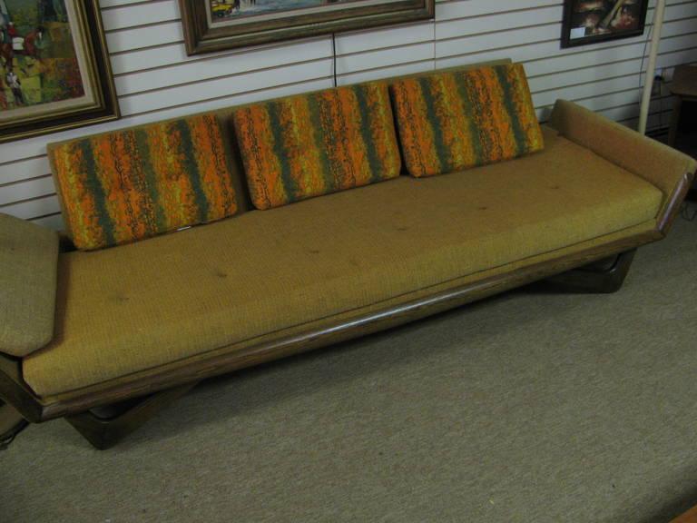 Adrian Pearsall Mid-Century Gondola Sofa For Sale 1