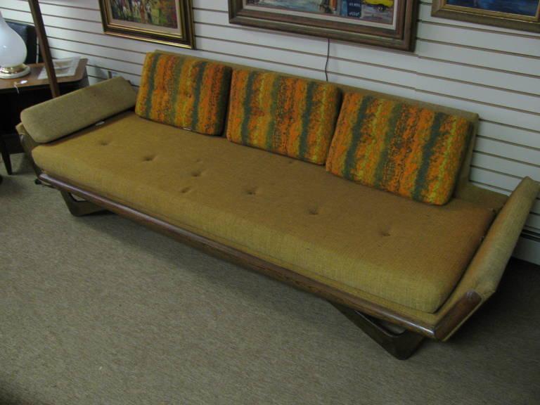 Adrian Pearsall Mid-Century Gondola Sofa For Sale 2