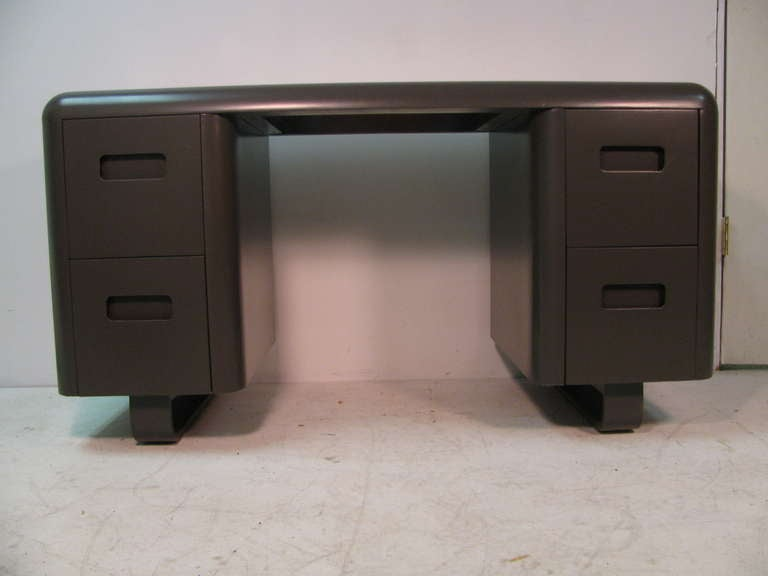 Mid-Century Modern Pair of Plymodern Dressers with Vanity and Bench Paul Goldman For Sale 2