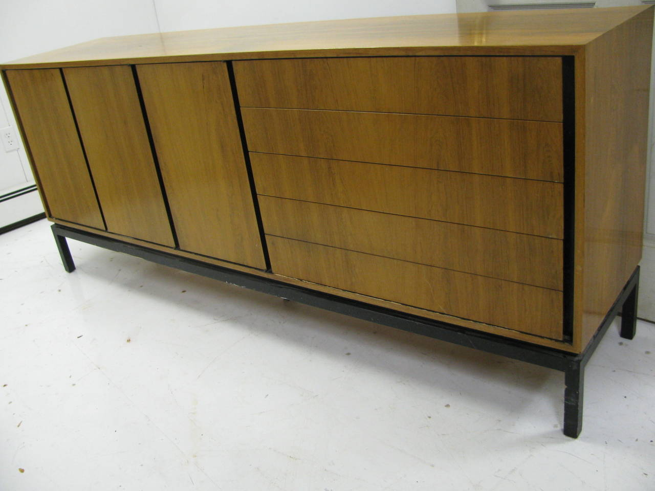 Bleached Mid-Century Modern Rosewood Long 11 Drawer Dresser For Sale