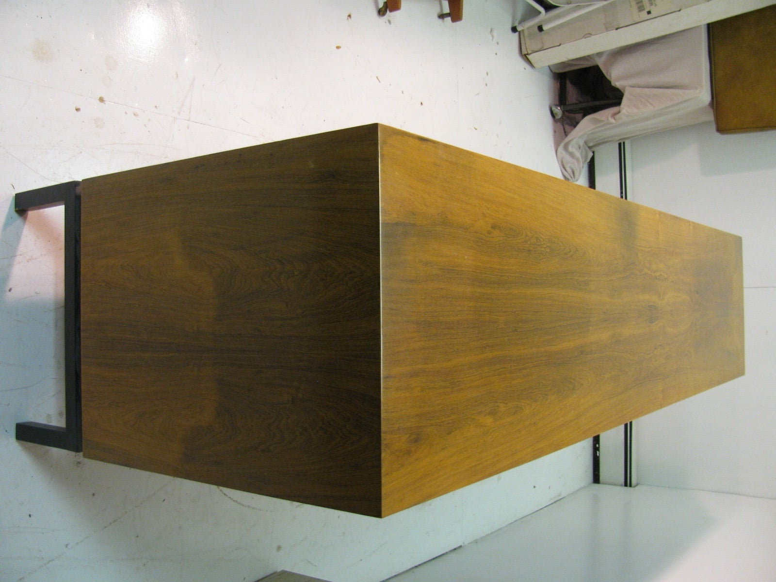 Mid-Century Modern Rosewood Long 11 Drawer Dresser For Sale 1