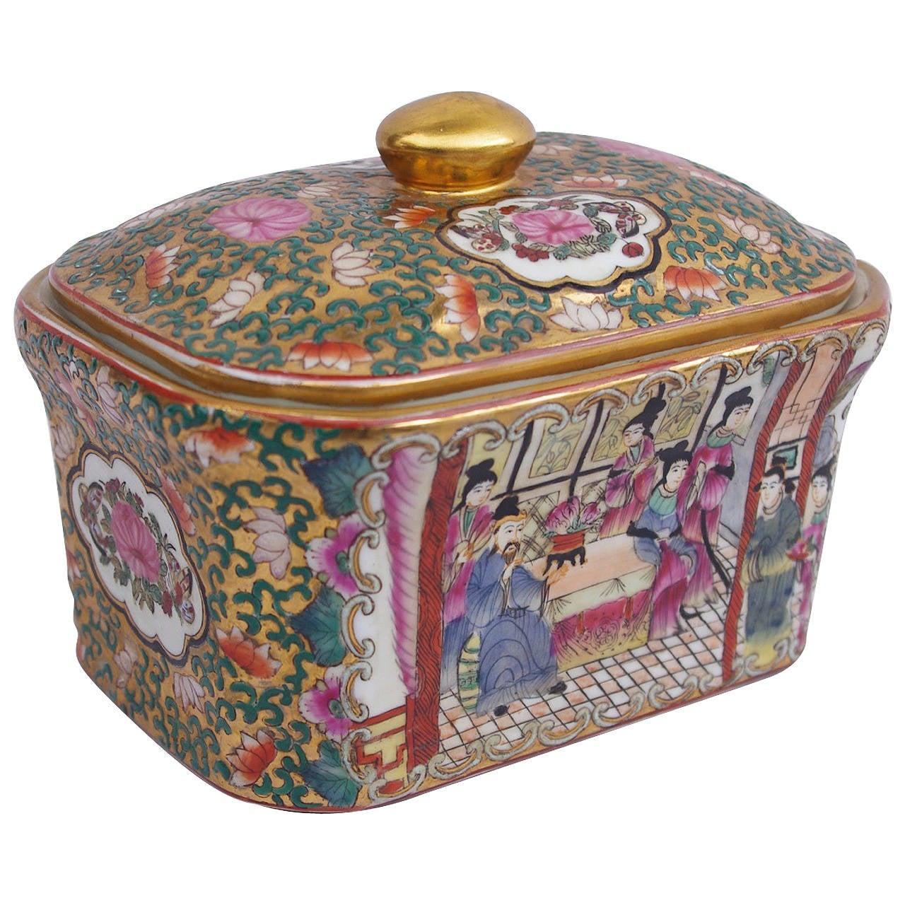 Covered Japanese Porcelain Box, circa 1900