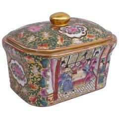Covered Canton porcelain box, circa 1900