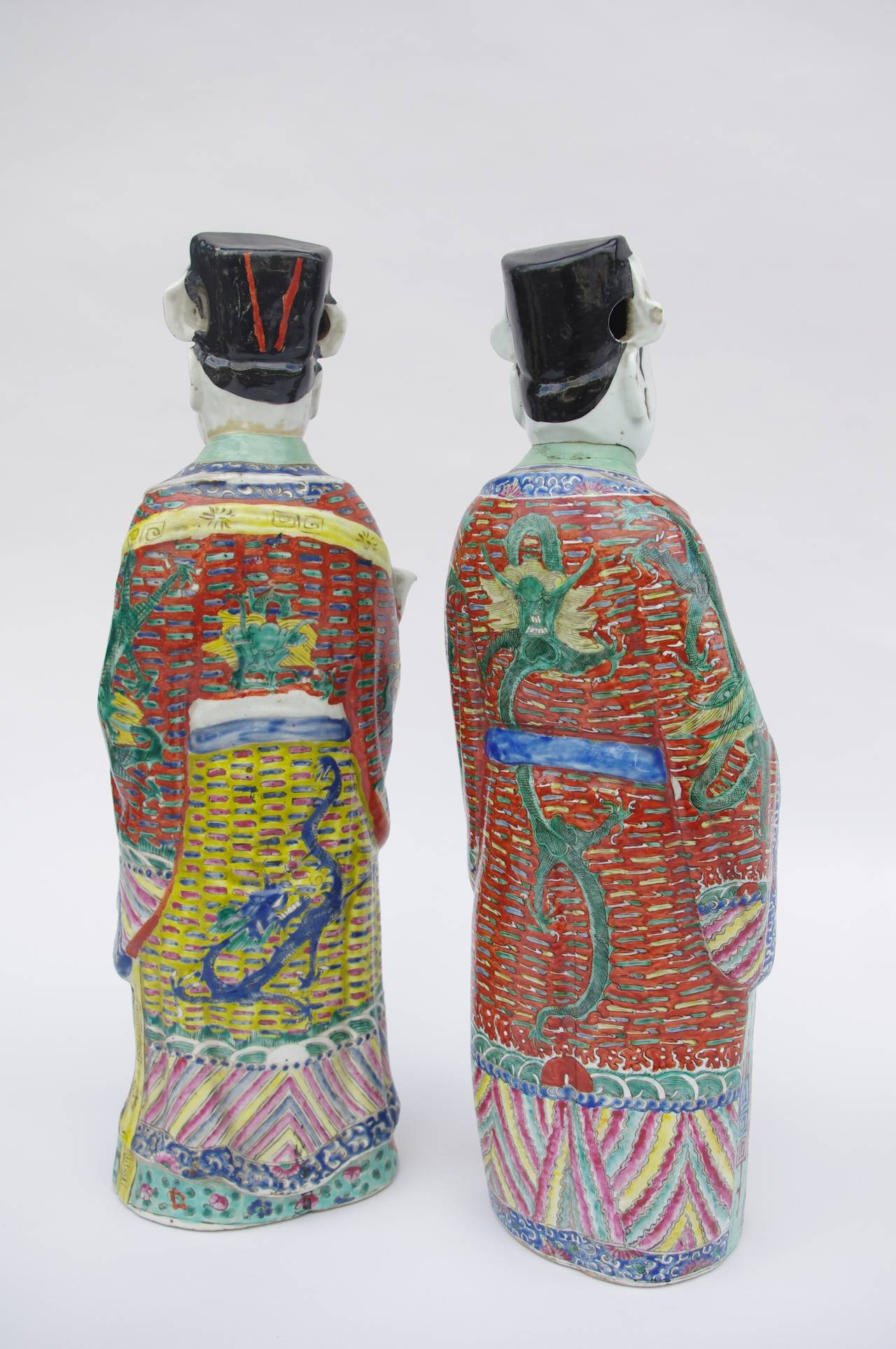 Asian Pair of Large and Unusual Chinese Diplomats in Polychrome Faience, circa 1900 For Sale