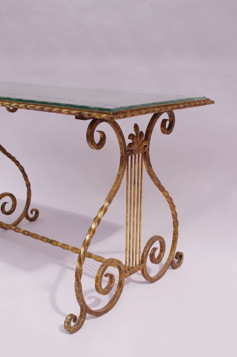 Gilt wrought iron coffee table with engraved glass top for Wrought iron and glass table