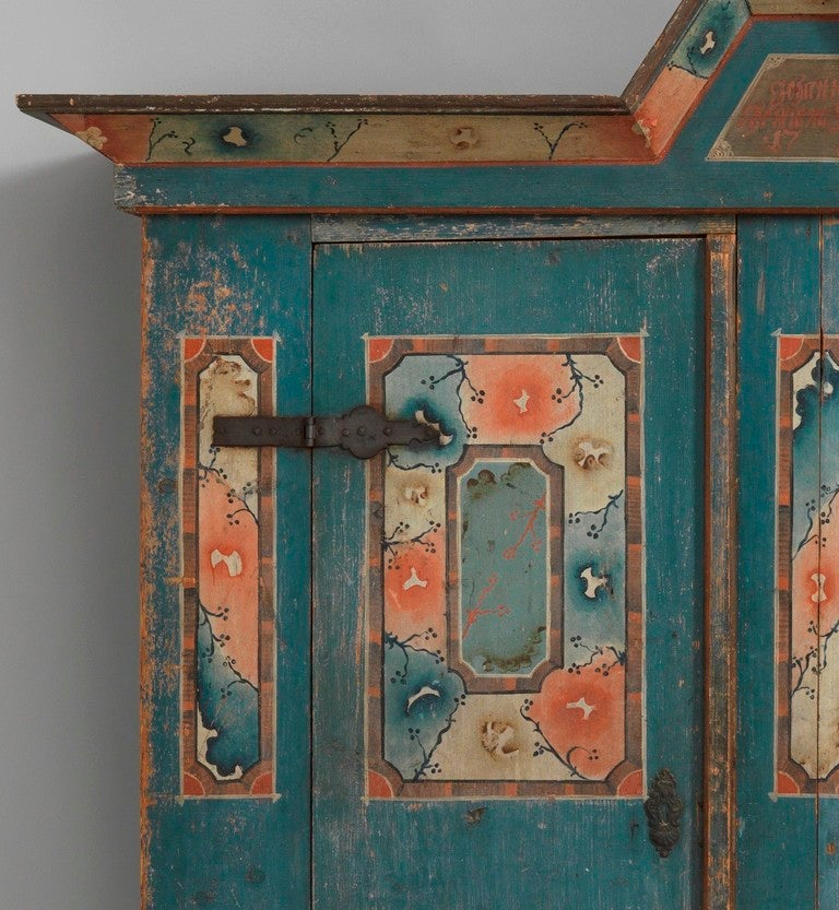 Pine with exceptional original painted decoration