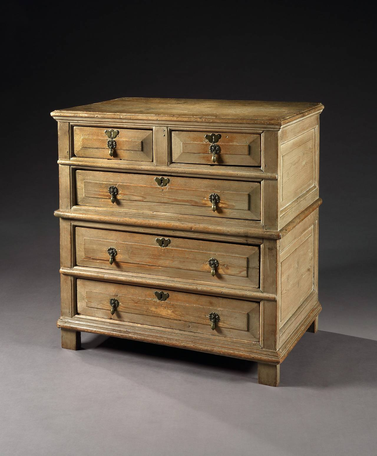 Provincial Queen Anne Period Chest of Five Drawers 2