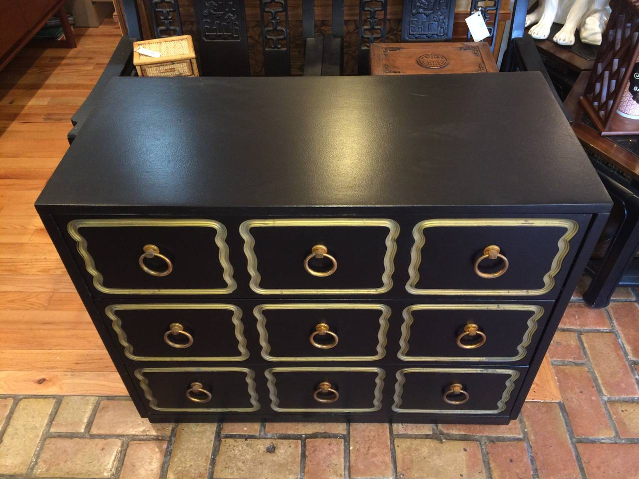 Dorothy Draper Style Espana Chest of Drawers In Good Condition For Sale In Redding, CT