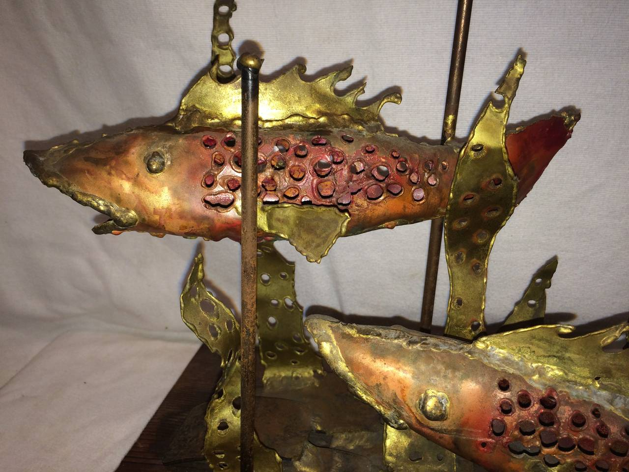 Signed Brutalist Sculpture of Fish by Segal In Excellent Condition For Sale In Redding, CT