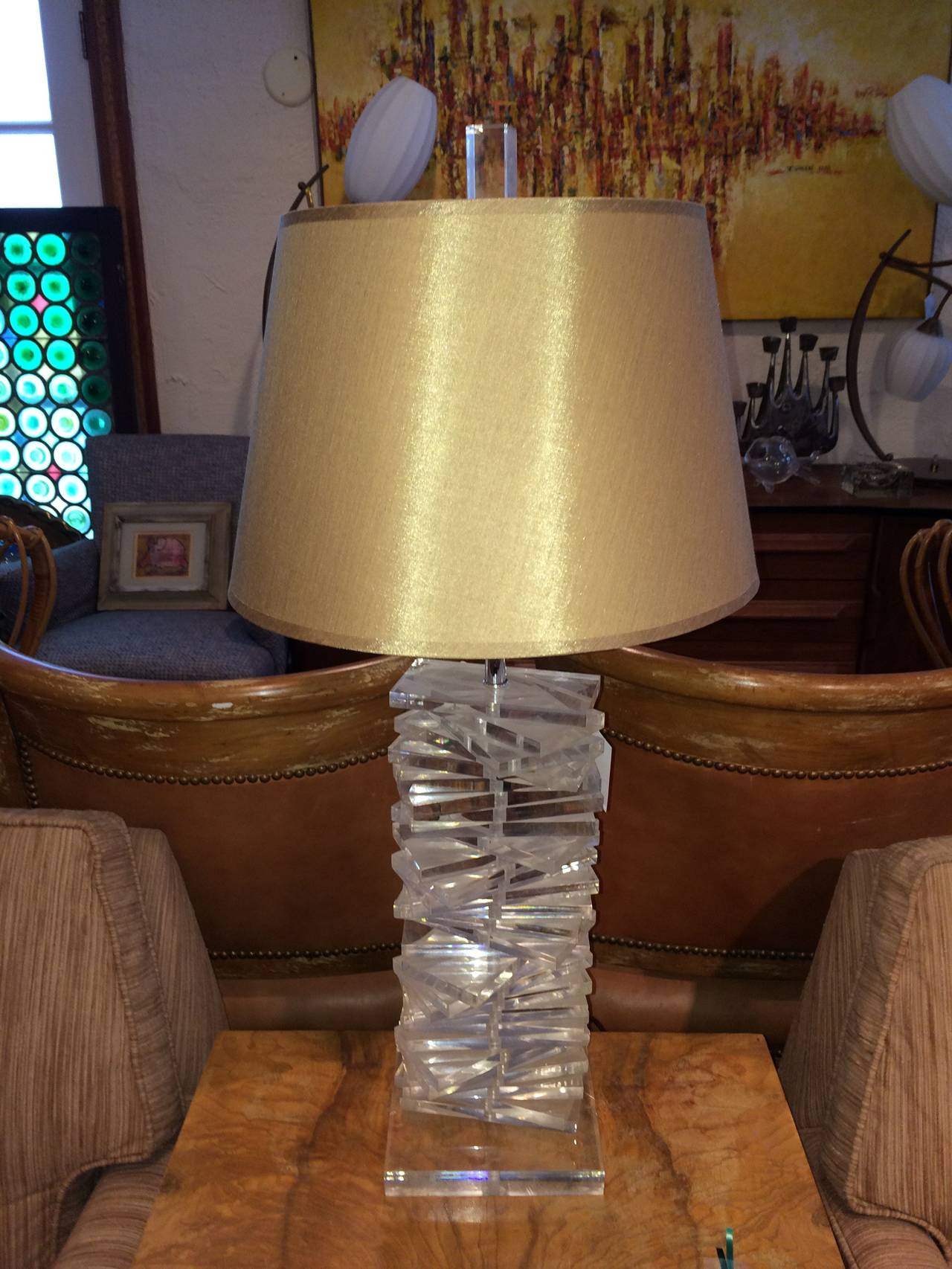 Hollywood Regency Sculptural Helix Lucite Lamp In Excellent Condition For Sale In Redding, CT