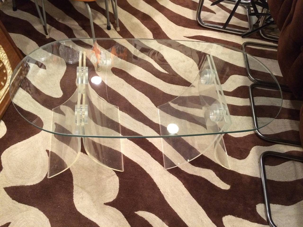 Lucite and Glass Coffee Table In Good Condition For Sale In Redding, CT