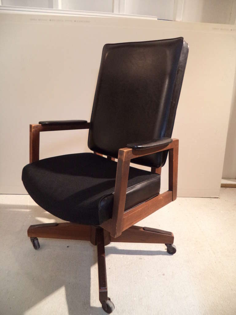 Mid-Century Executive Desk Chair 2