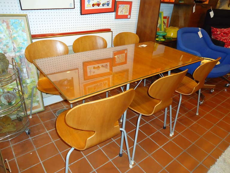 Rare Set of Six Arne Jacobsen Ant Chairs with Drop-Leaf Table 3
