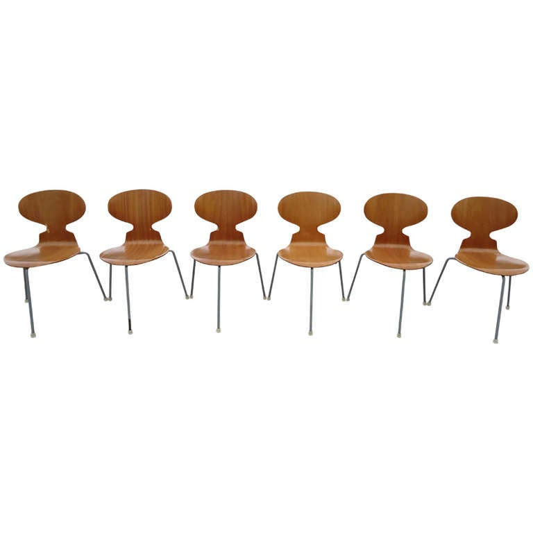 Rare Set of Six Arne Jacobsen Ant Chairs with Drop-Leaf Table 1