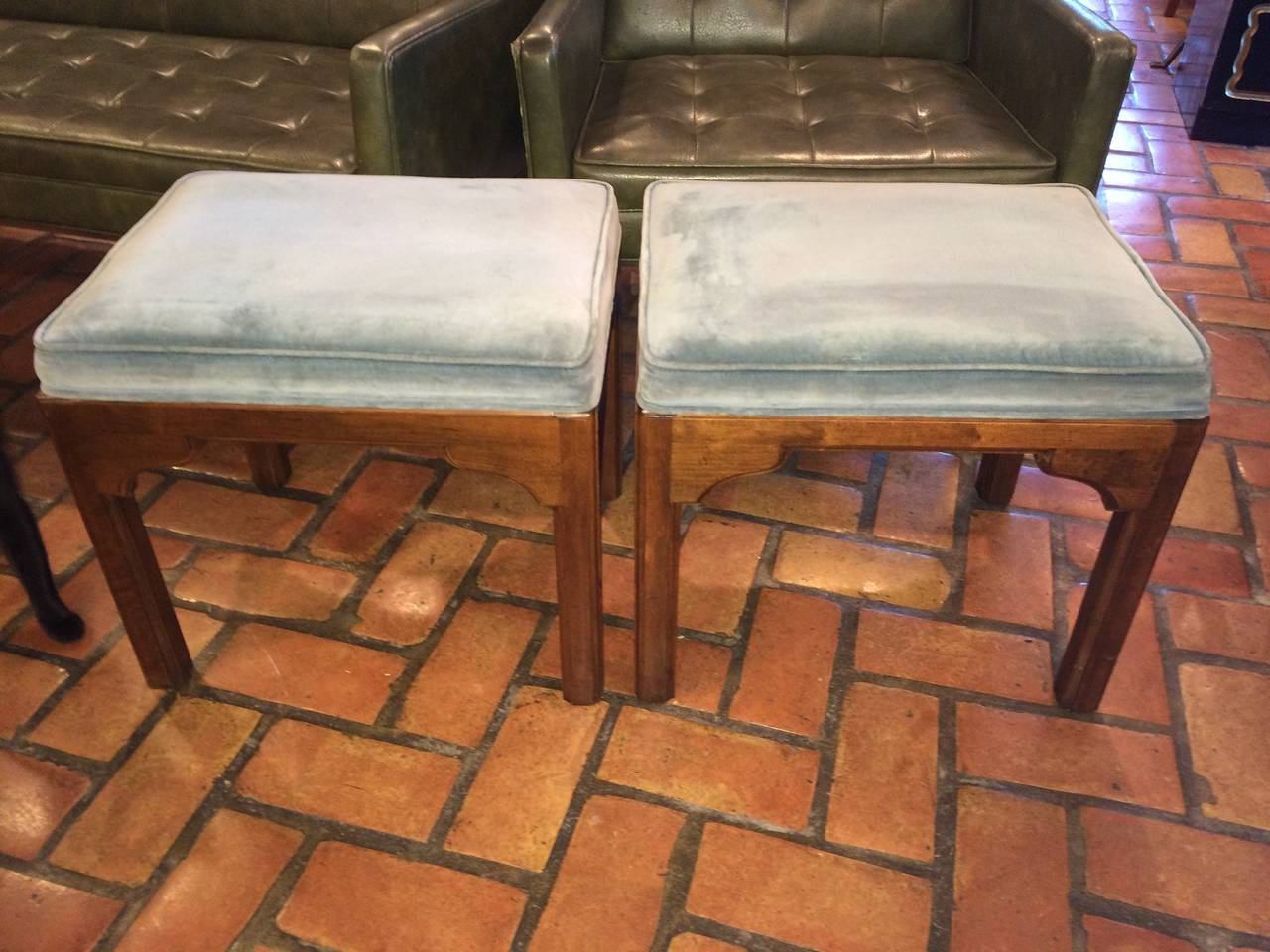 Pair of Ethan Allen Stools For Sale at 1stdibs
