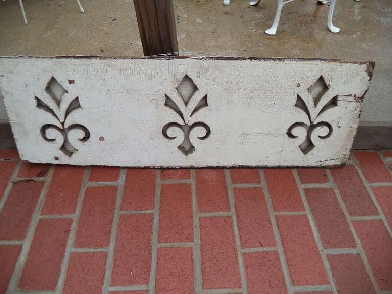 20th Century Pair of Antique Architectural Fleur de Lis Carved Panels For Sale