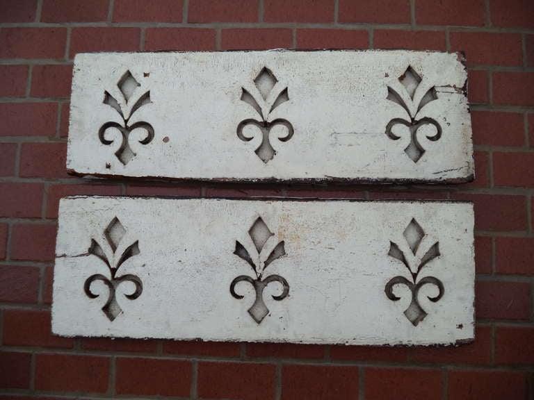 Unknown Pair of Antique Architectural Fleur de Lis Carved Panels For Sale