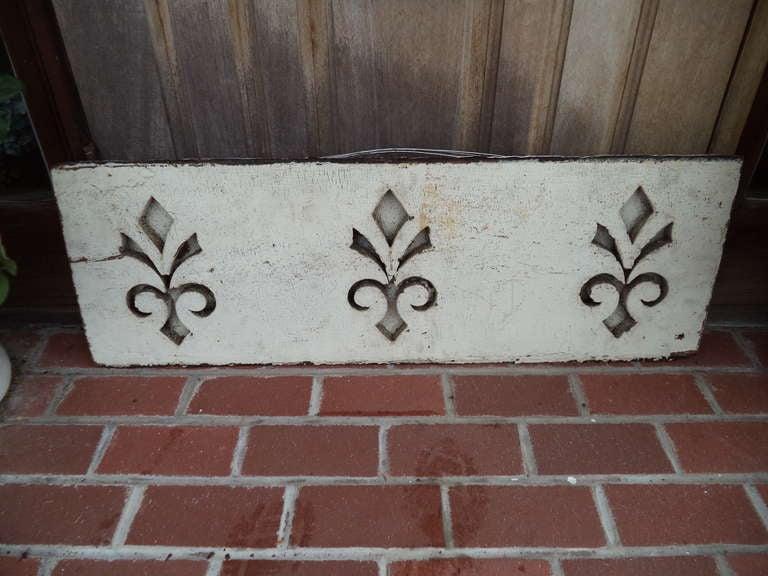 Pair of Antique Architectural Fleur de Lis Carved Panels For Sale 1