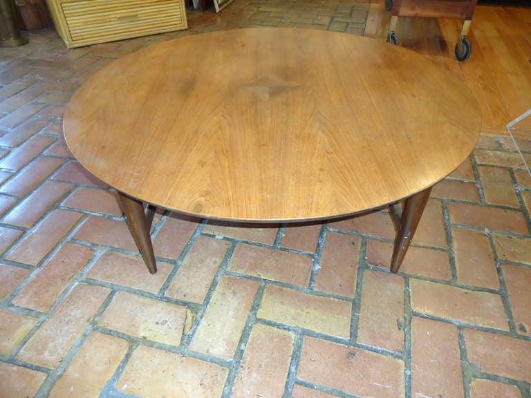 Mid Century Modern Round Coffee Table At 1stdibs