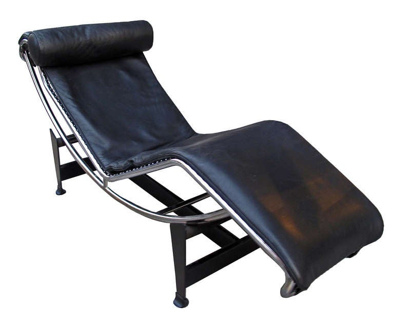 Lc4 lounge chair le corbusier cassina at 1stdibs for Chaise le corbusier