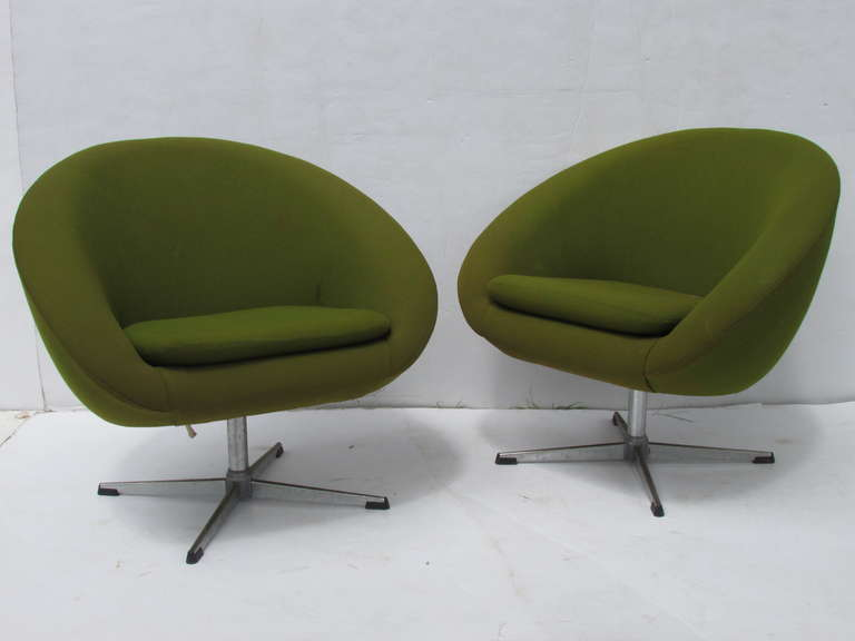 Four Overman Swivel Pod Chairs By Esa Mobelvaerk   Denmark. All In Original  Fabric
