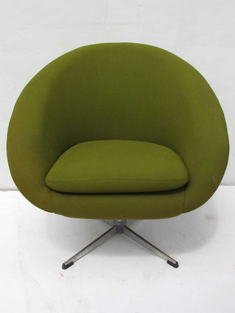 Overman Swivel Pod Chairs Esa Mobelvaerk Denmark At 1stdibs