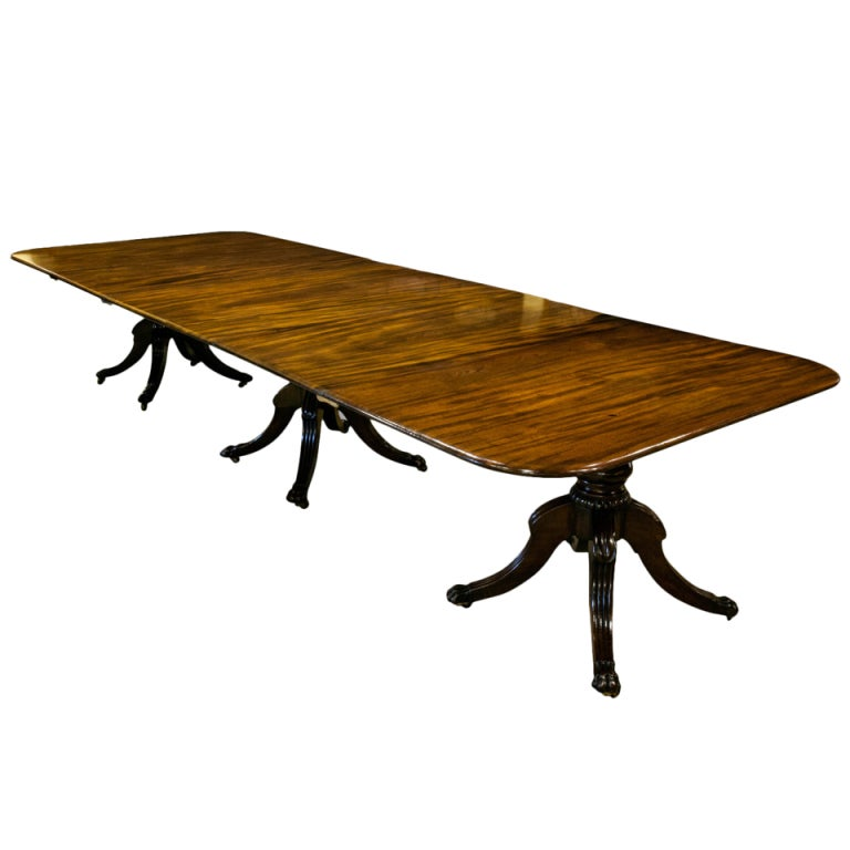 Regency mahogany three pillar dining table at 1stdibs for Pillar dining table