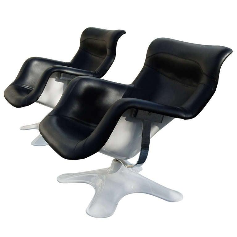 Pair Of Karuselli Lounge Chairs In Black Leather By Yrjo