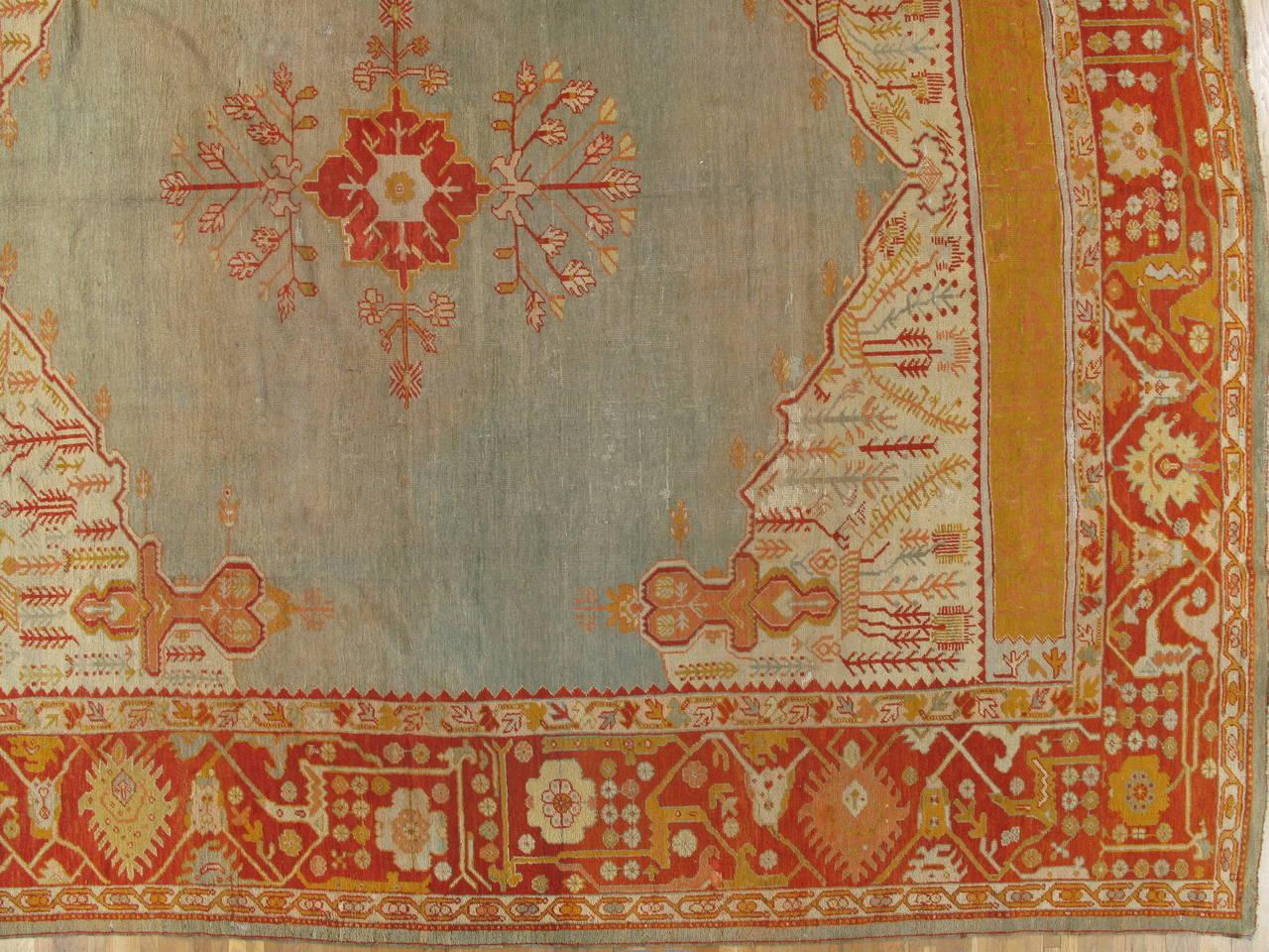 Antiker Handgefertigter Orientalischer Oushak Teppich in Hellgrün, Gelb, Koralle 5