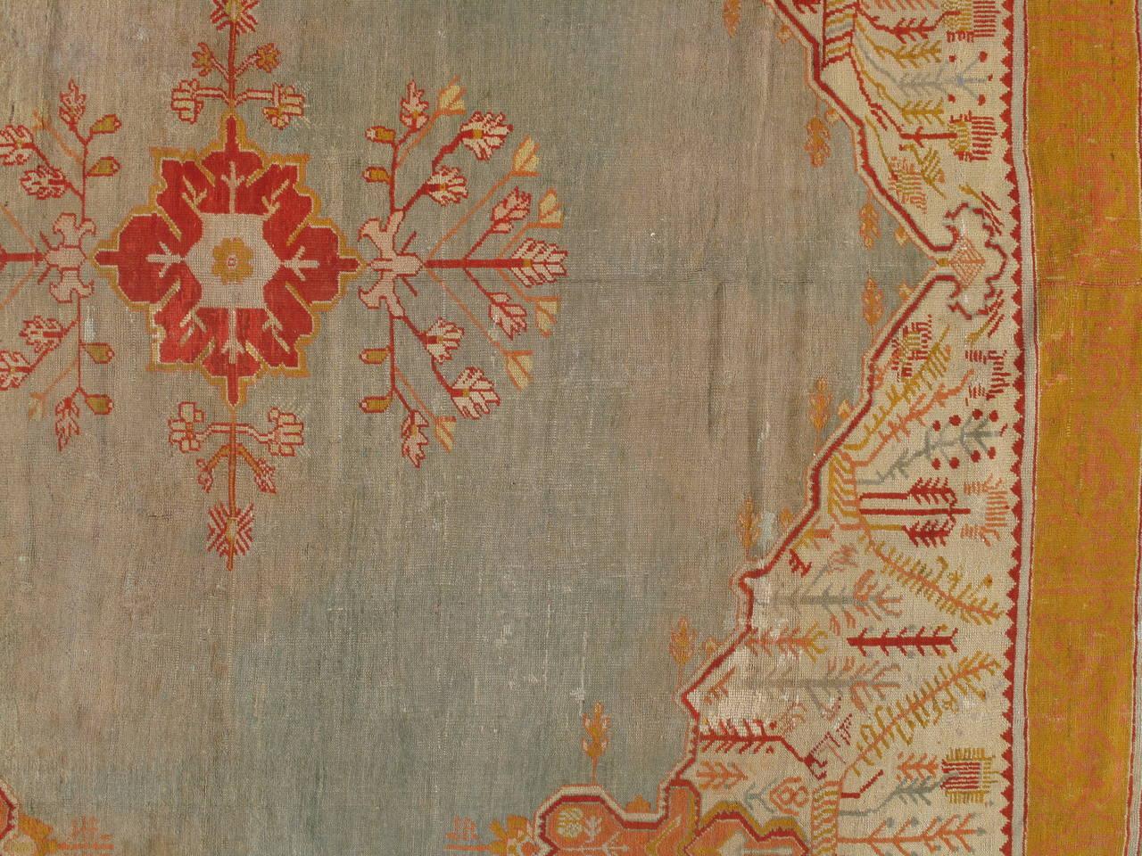 Antiker Handgefertigter Orientalischer Oushak Teppich in Hellgrün, Gelb, Koralle 6