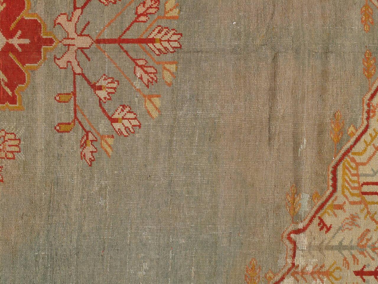 Antiker Handgefertigter Orientalischer Oushak Teppich in Hellgrün, Gelb, Koralle 7