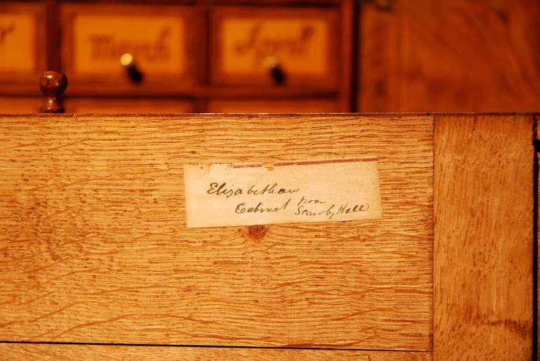 Early 18th Century Veneered Walnut Writing desk or escritoire, circa 1715 8