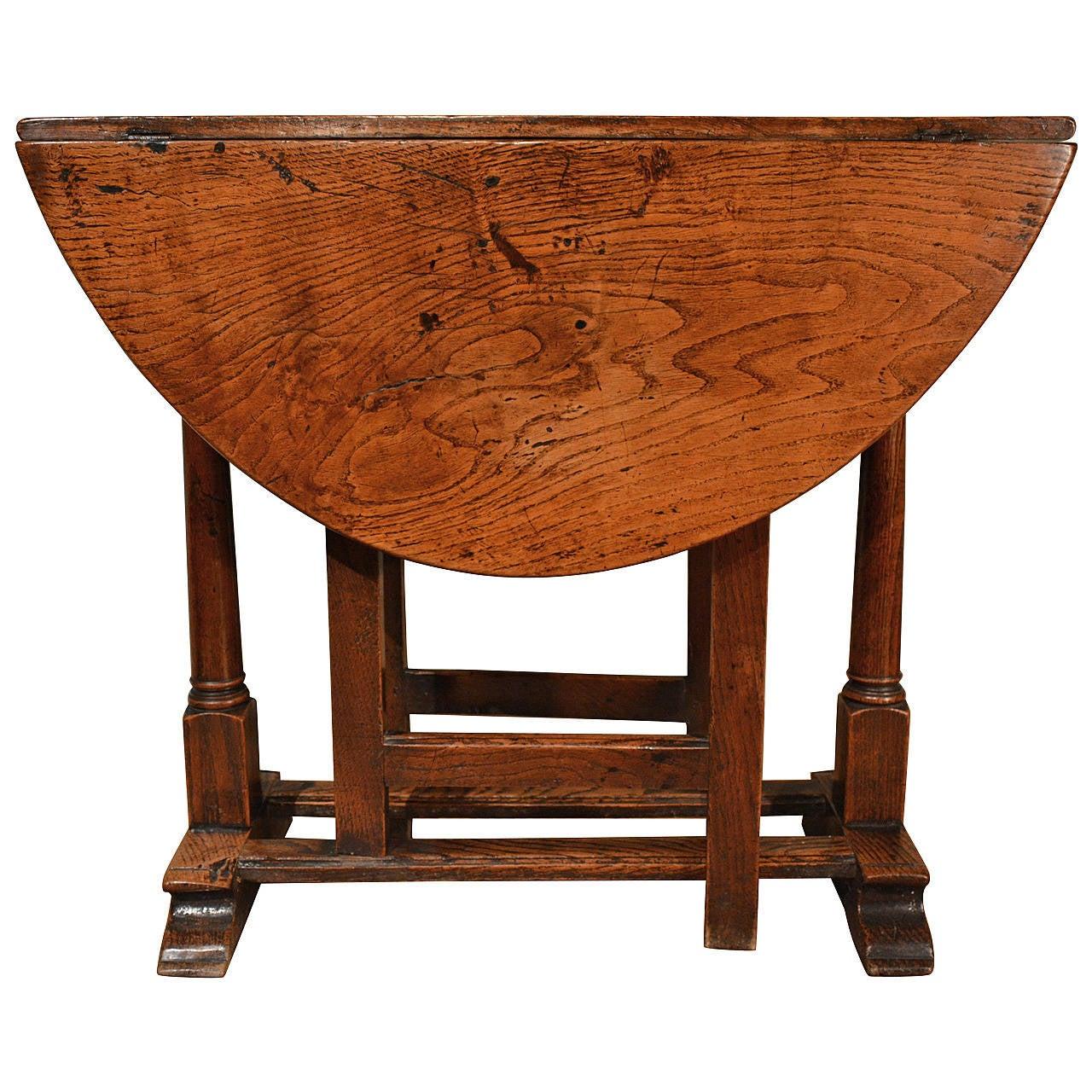Small Late 17th Century Oak Gate Leg Table At 1stdibs