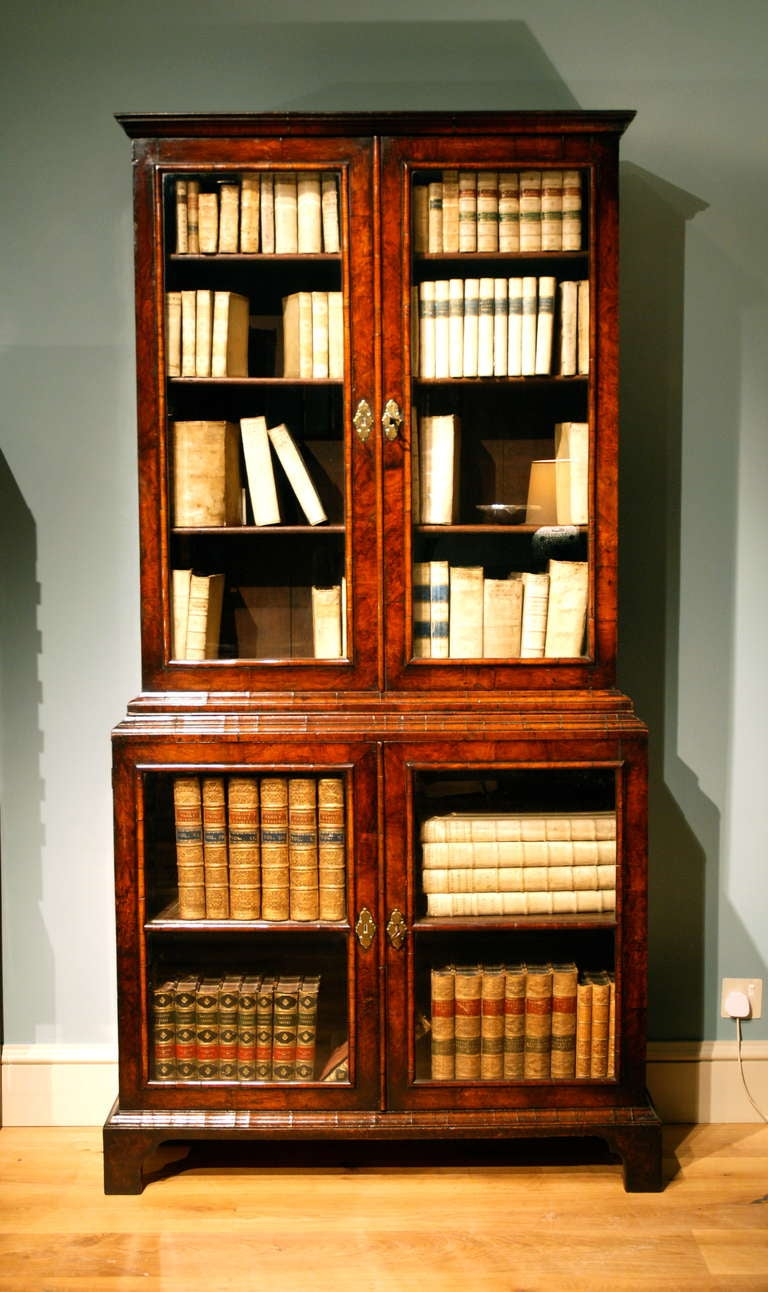 A rare early 18th Century veneered walnut display cabinet/ bookcase 2