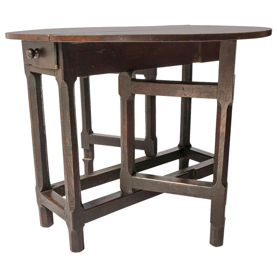 Small oak gate leg table at 1stdibs for Short table legs