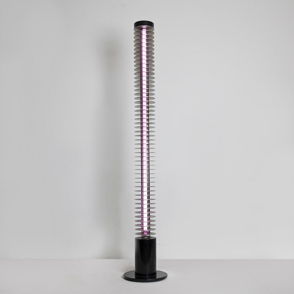 Iride floor lamp, in black enameled steel and aluminum, manufactured by Lamperti, Italy, 1970.