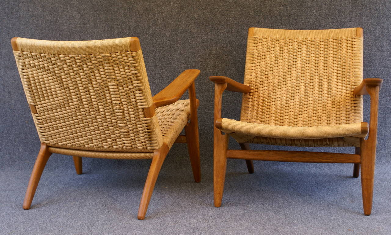 pair of hans wegner ch25 chairs in oak and paper cord at 1stdibs. Black Bedroom Furniture Sets. Home Design Ideas