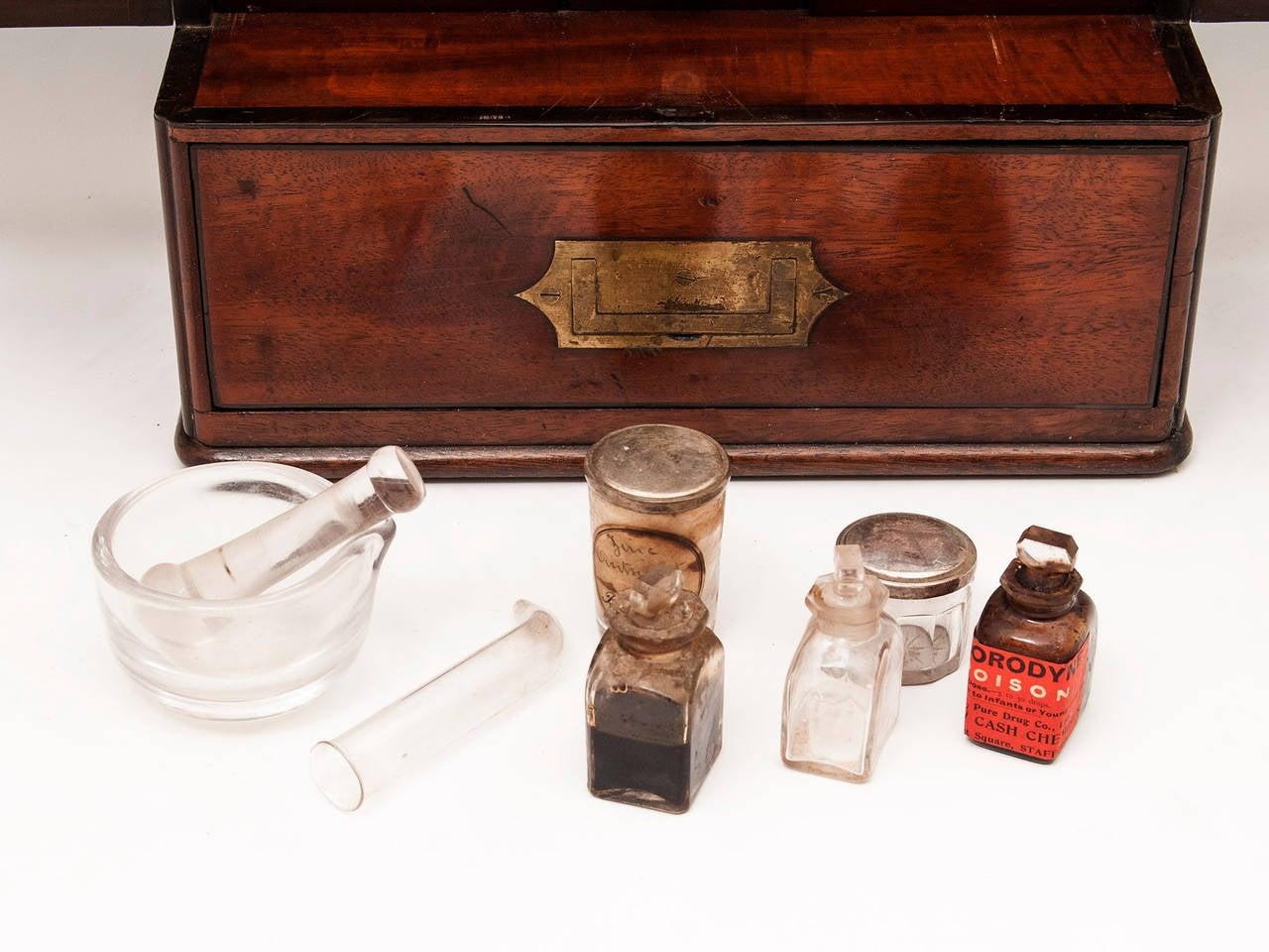 Apothecary Box 8