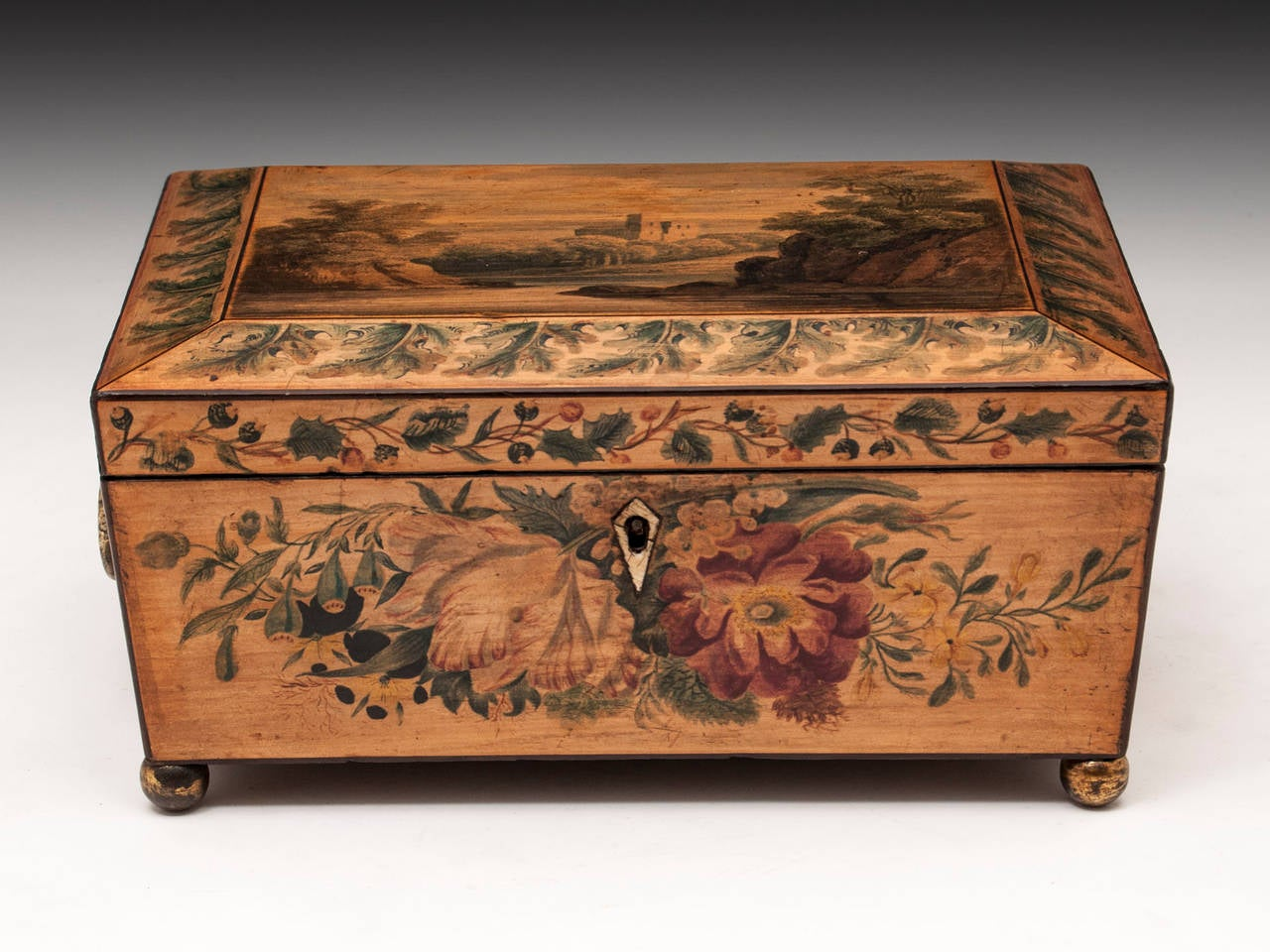 Painted sewing box, all applied on white wood sycamore box with a quite beautiful shape with floral patterns on all sides and a scene with a castle view on the top. 