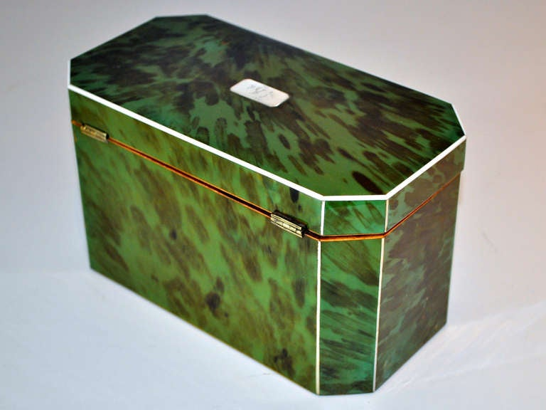 Green Tortoiseshell Tea Caddy In Excellent Condition For Sale In Northampton, United Kingdom