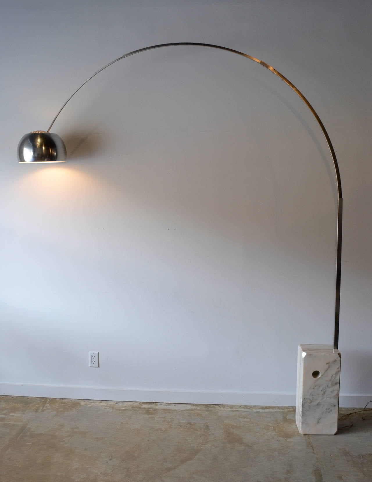 Arco floor lamp by castiglioni for flos italy at 1stdibs for Flos castiglioni arco