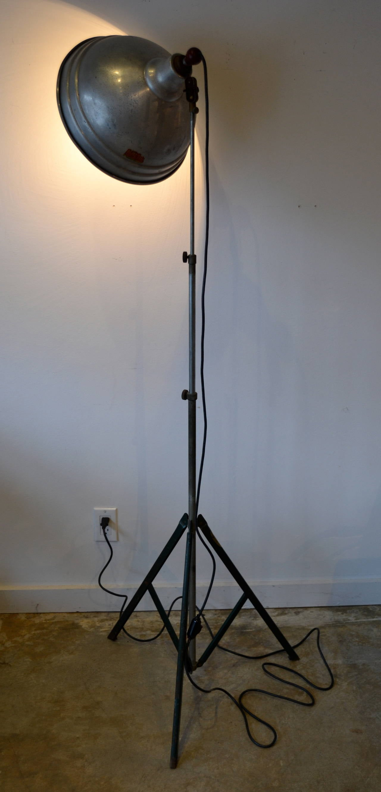 Vintage industrial floor lamp by acme lite usa at 1stdibs for Antique floor lamp manufacturers
