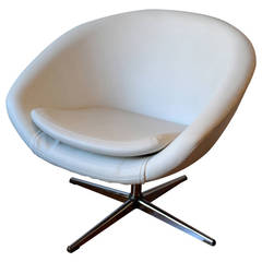 1960s Swivel Egg Chair in White Leather with Chrome Base