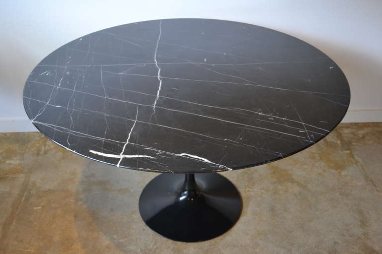 Eero Saarinen Tulip Base And Black Carrera Marble Dining