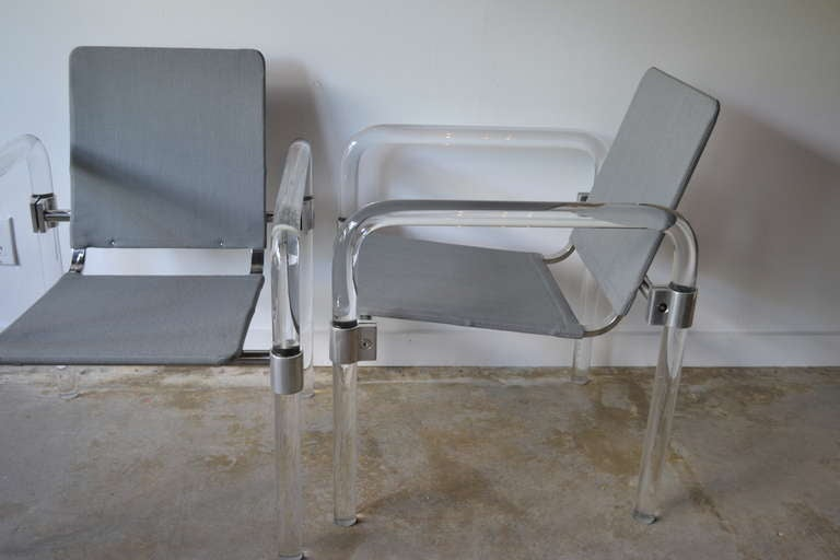 Pair of Lucite and Aluminum Side Chairs By Jeff Messerschmidt for Knoll, 1970's In Good Condition For Sale In Bedford Hills, NY