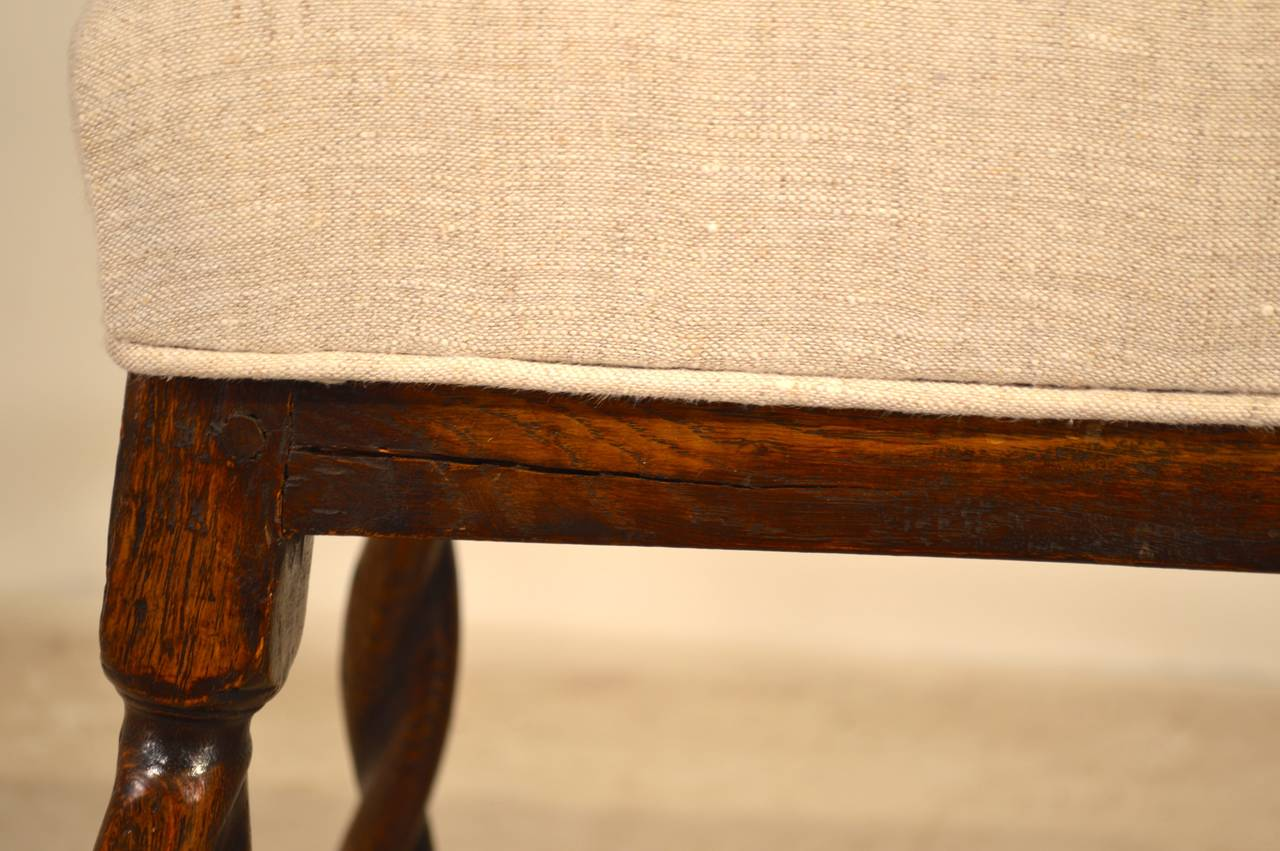 17th Century English Oak Bench In Good Condition For Sale In High Point, NC