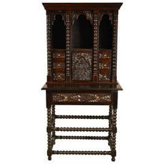 19th c. English Oak Small Cupboard