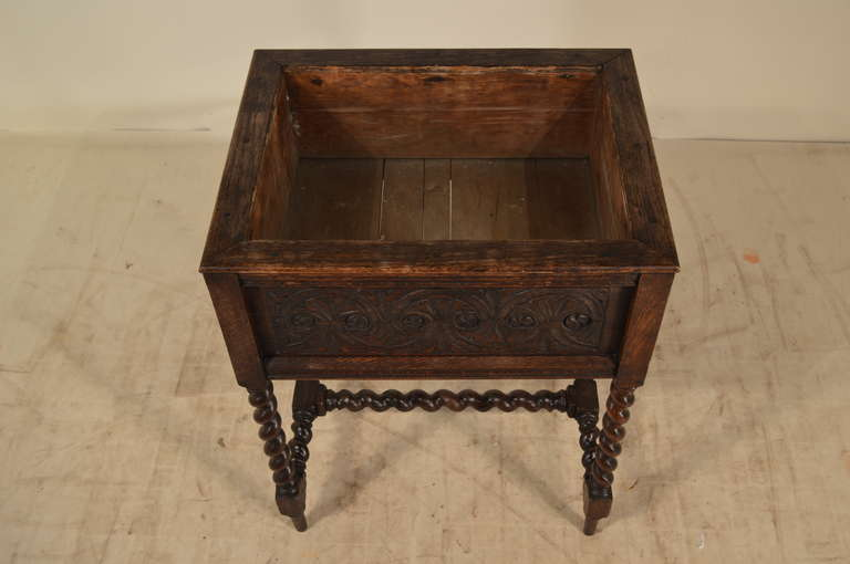 19th Century English Oak Carved Planter For Sale 2