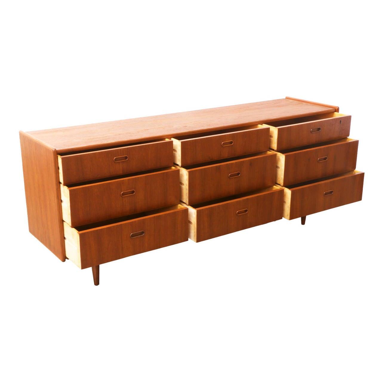 Danish modern teak dresser at 1stdibs for Danish teak bedroom furniture